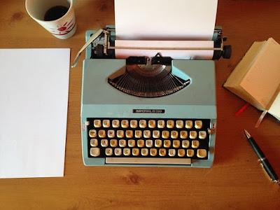 Edisi memaksakan menulis, koreksilah tulisan saya