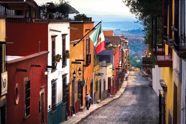 Recorre San Miguel de Allende en auto