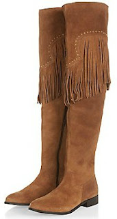 https://ad.zanox.com/ppc/?35705456C70219304&ulp=[[www.newlook.com/fr/shop/shoe-gallery/view-all-boots/tan-premium-suede-stud-fringe-trim-boots_350772818]]