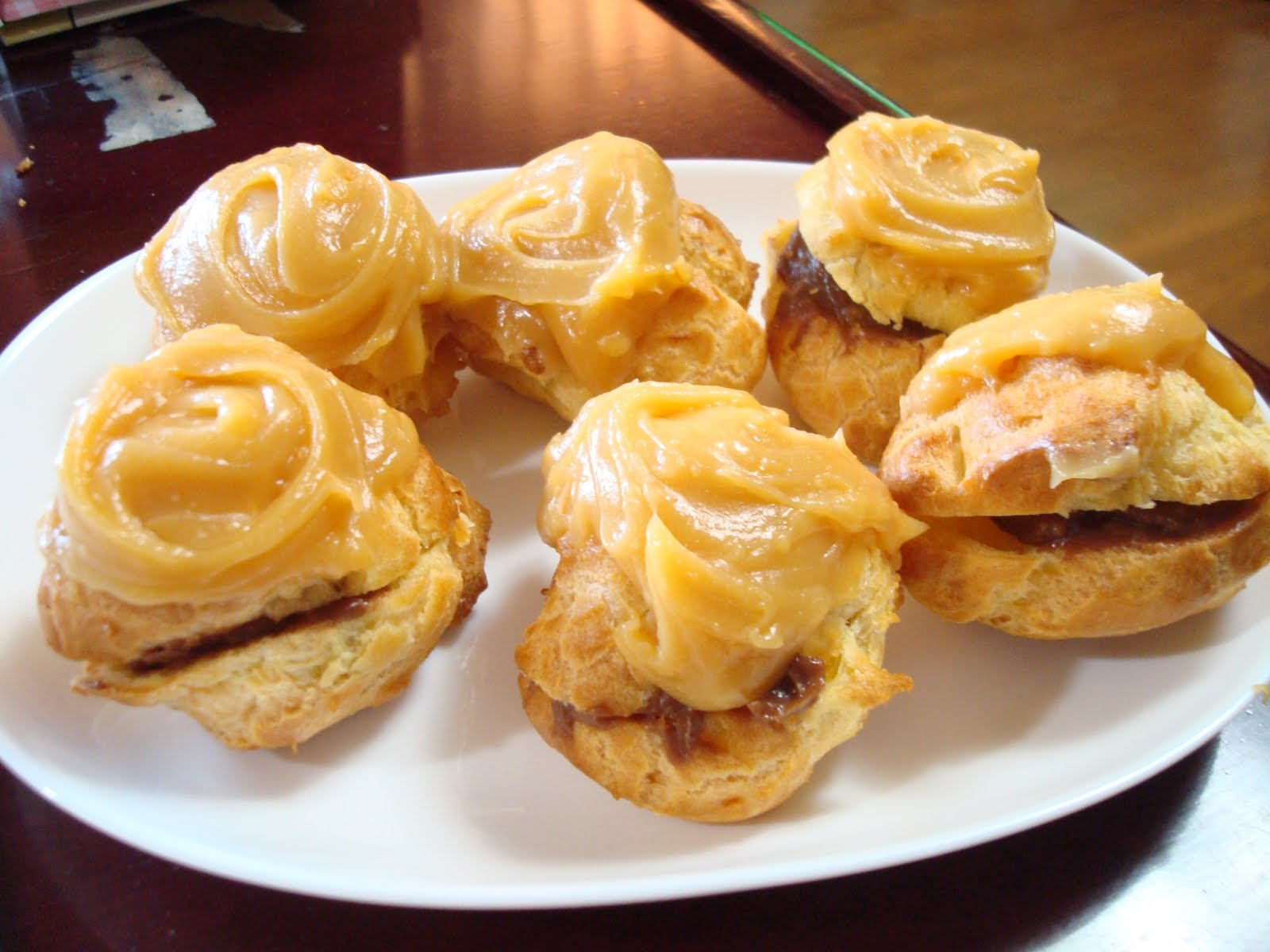 Mini Adventures...: Liliha Bakery Cream Puffs
