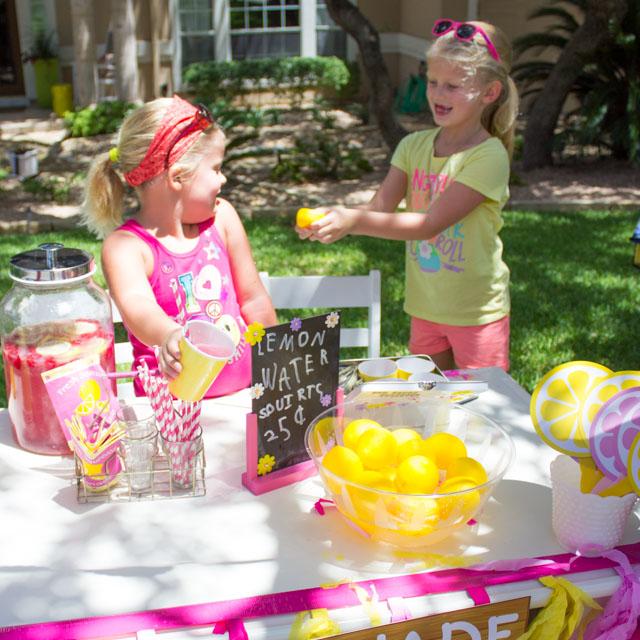 Kids week the coolest lemonade stand design improvised for Lemon shaped lemonade stand