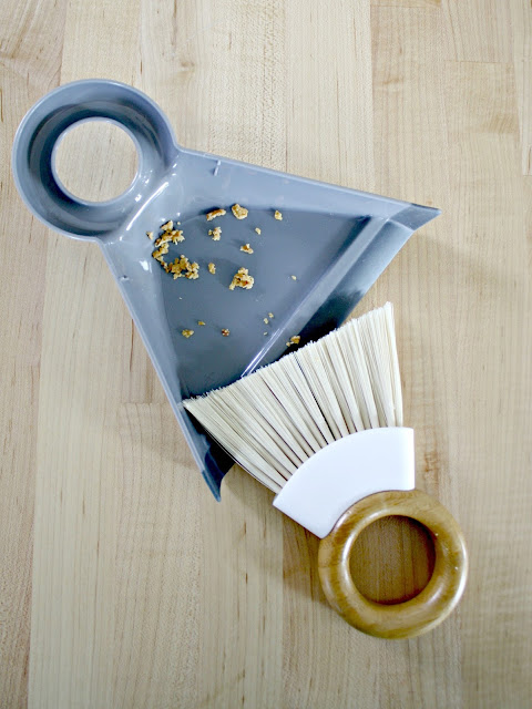 Mini broom and tray set