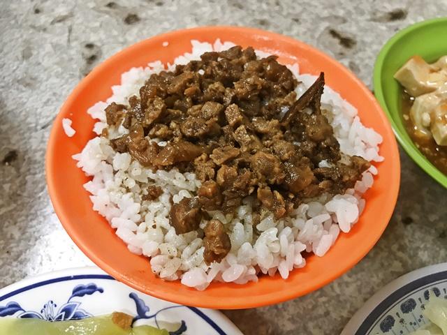 素食滷肉飯