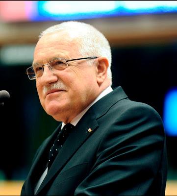 """Václav Klaus, presidente da República Checa:  democracia está em """"fase final"""" na Europa"""