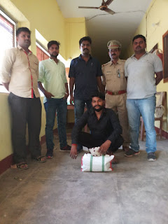 Narcotics Dealer Arrested By Police Basti Uttar Pradesh
