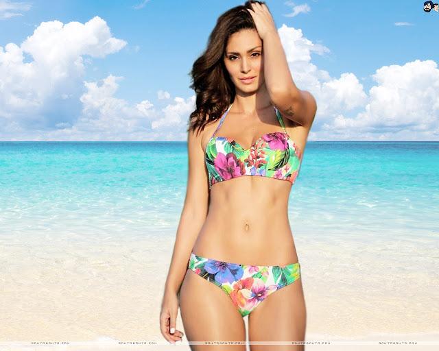 Bruna Abdullah Bikini Wallpapers