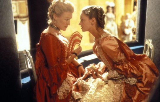 Dangerous Liaisons 1988 movieloversreviews.filminspector.com Glenn Close Uma Thurman