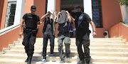 Νέες τουρκικές απειλές για τους οκτώ στρατιωτικούς – «Θα νιώθουν την ανάσα μας στον σβέρκο τους»
