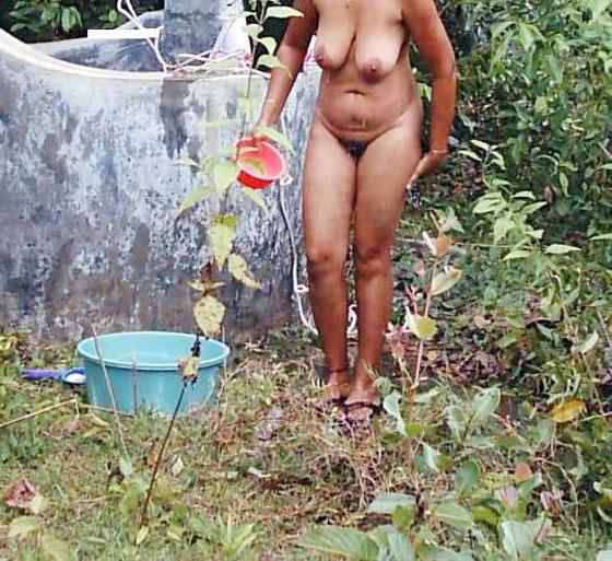 Hidden Camera Nude Bathing Bhabhi Desi Xxx Image  Xxx -5571