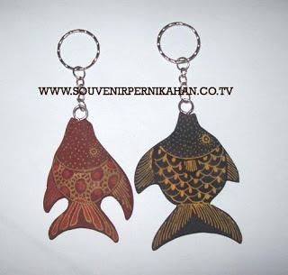 Souvenir Pernikahan Gantungan Kunci Batik Jogjakarta 14