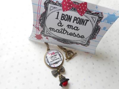 https://www.alittlemarket.com/collier/fr_collier_vintage_bronze_cabochon_verre_un_bon_point_pour_ma_maitresse_sa_boite_cadeau_blanc_noir_rouge_-18234794.html