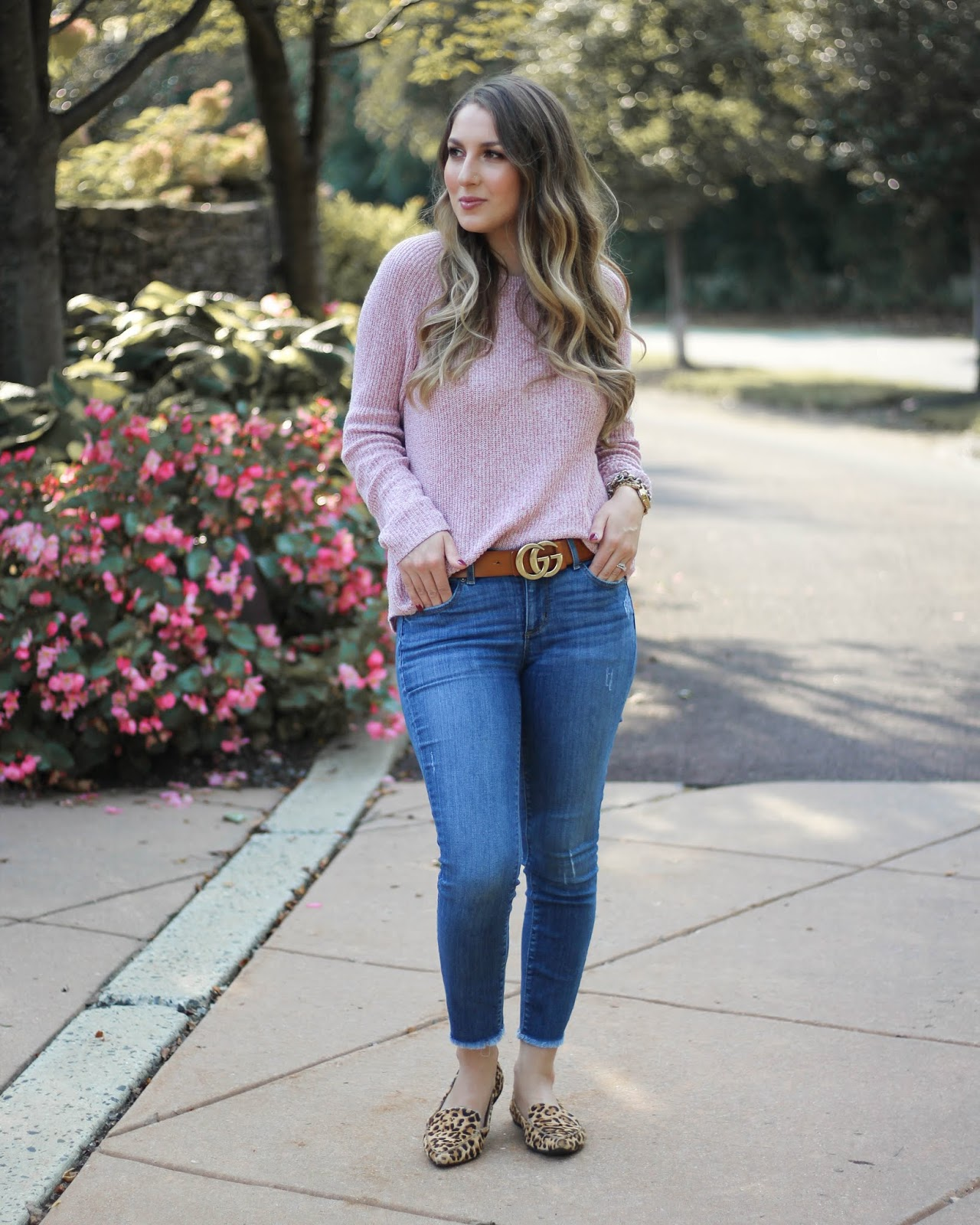 bea1988133158 CASUAL FALL STYLE INSPIRATION    PINK SWEATER + FRAYED DENIM   A ...