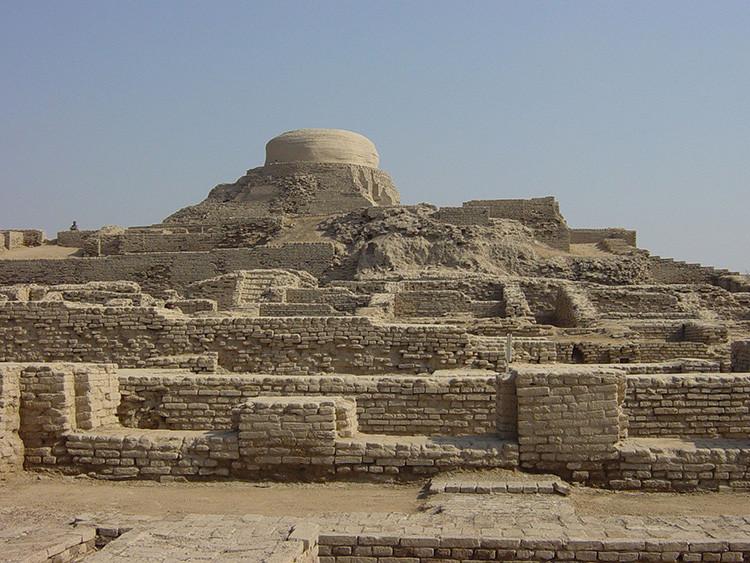 Ruinas de Mohenjo-Daro, una ciudad de la cultura del valle del Indo (Pakistán).