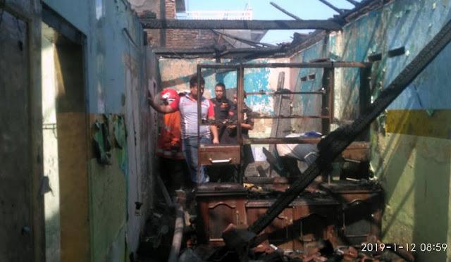 Rumah terbakar di Desa Tempeh Tengah