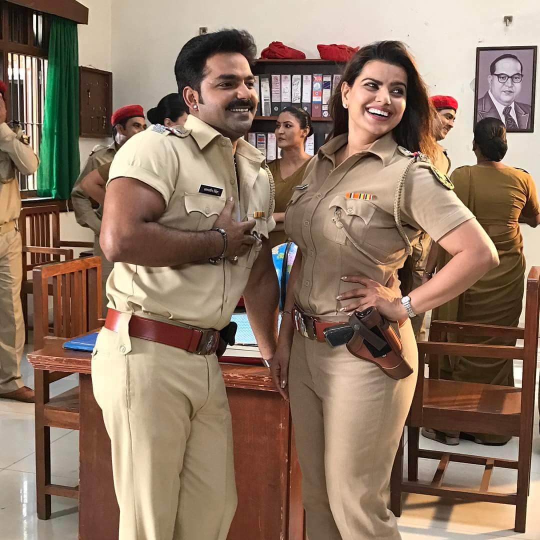 Madhu Sharma and Pawan Singh as Police Look in Challenge