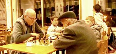 Joaquim Bosch i Codina en la misma partida de ajedrez