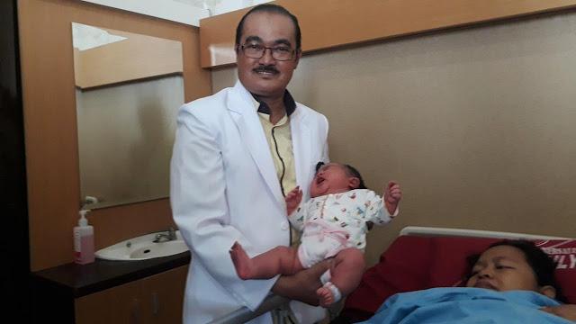 Bayi 'Raksasa' Berbobot 5,8 Kg Lahir di Cilacap