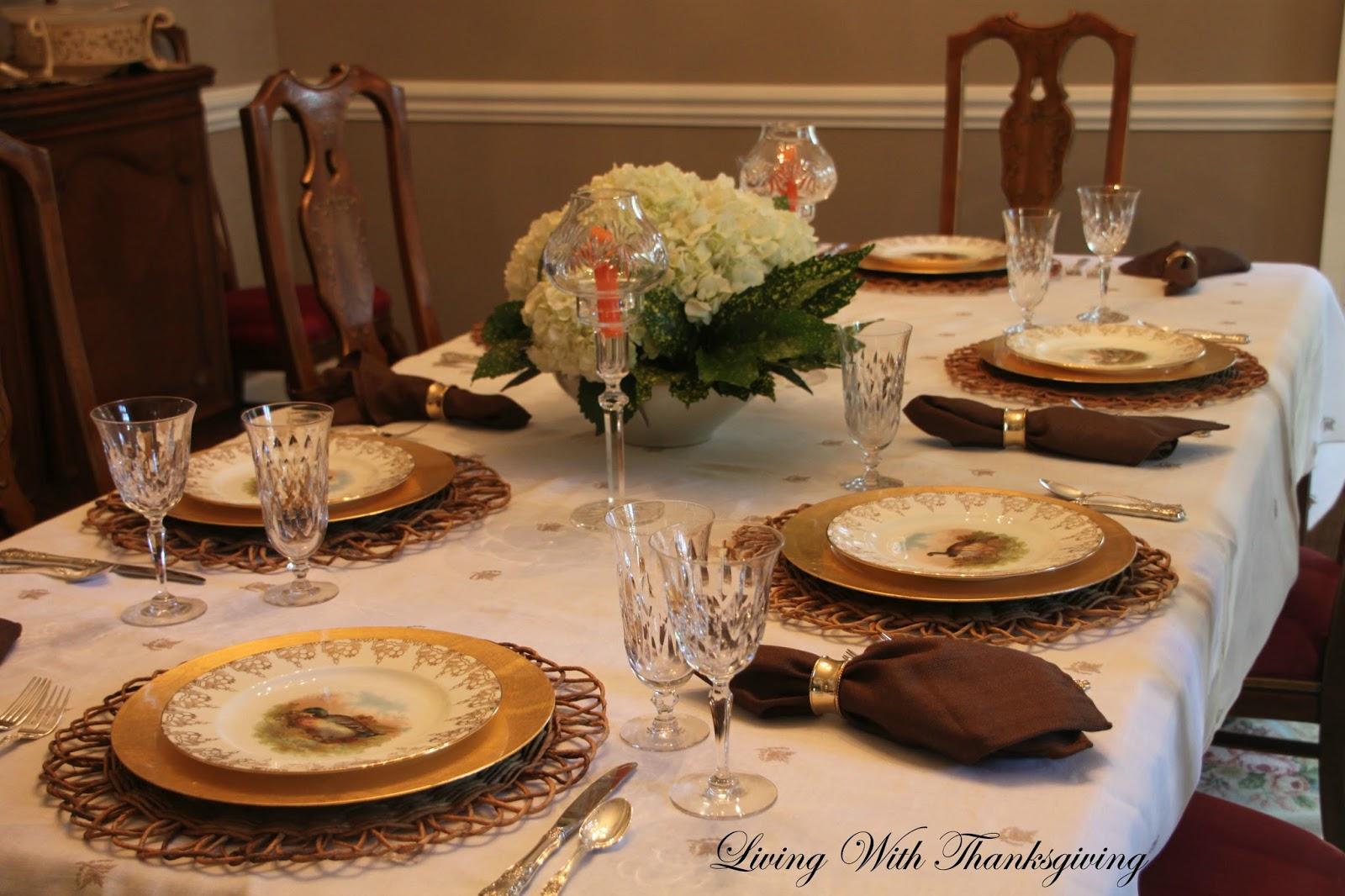 Family Thanksgiving Dinner - Living With Thanksgiving