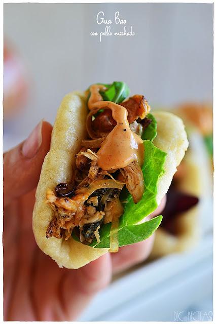Gua bao con pollo mechado