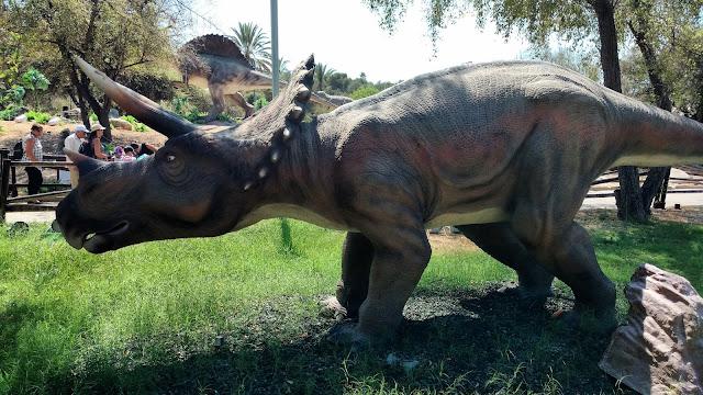 דינוזאורים בתערוכה
