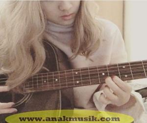 Belajar Gitar Akustik Untuk Pemula