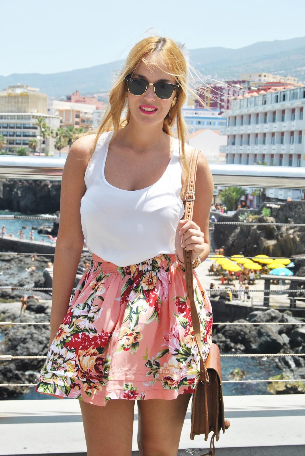 nery hdez, falda de flores, guess skirt, rayban , flowers skirt