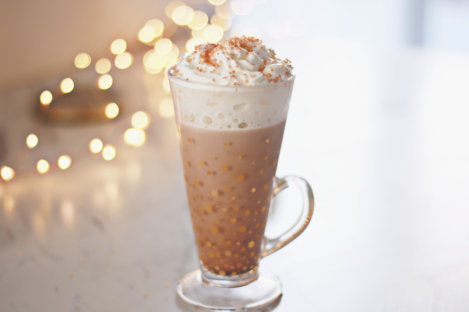Christmas, Food, Recipes, Lifestyle, Drinks, Nutella, Hot Chocolate, Christmas Hot chocolate recipes, cosy afternoon, baileys hot chocolate, how to make nutella hot chocolate,