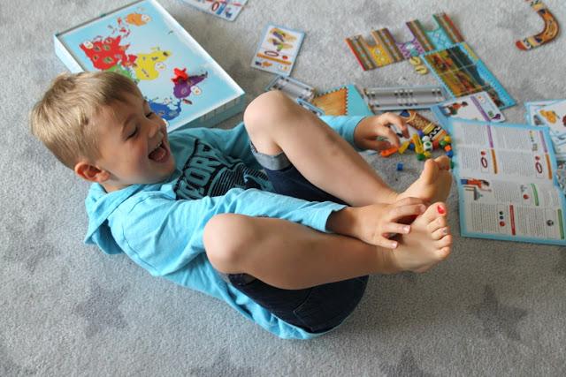 Beschaeftigung Spieletipp Ferientipp mit Verlosung Gewinnspiel Kinderspiele aus aller Welt Jules kleines Freudenhaus