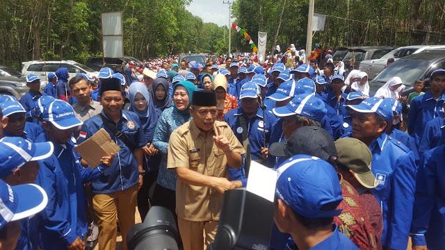 Ribuan Masyarakat Cengal Antusias Sambut Bupati OKI Iskandar SE