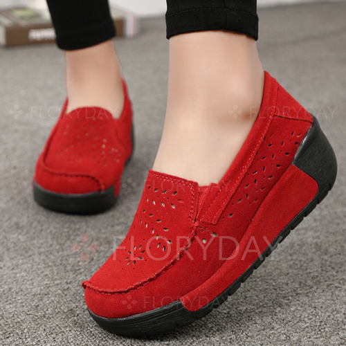 Hollow-out Round Toe Wedge Heel Shoes