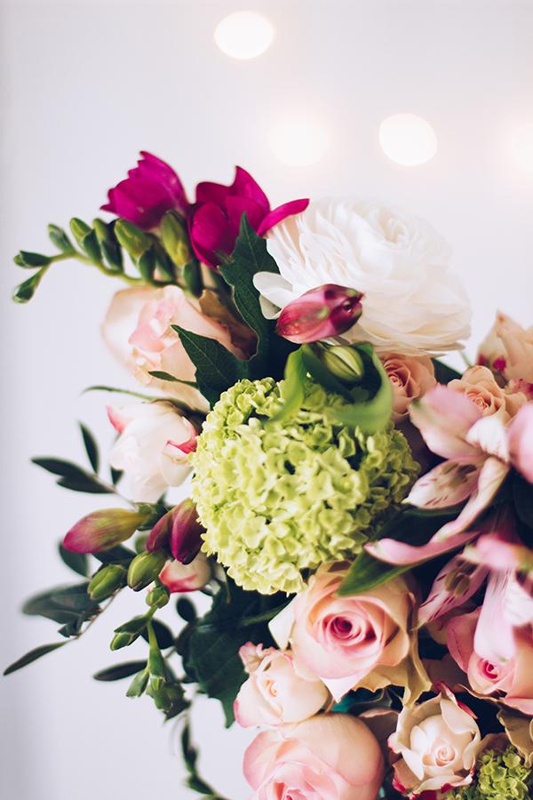 Frische Blumen zum Muttertag verschenken - tolle DIY Idee für die Mama. titatoni.de