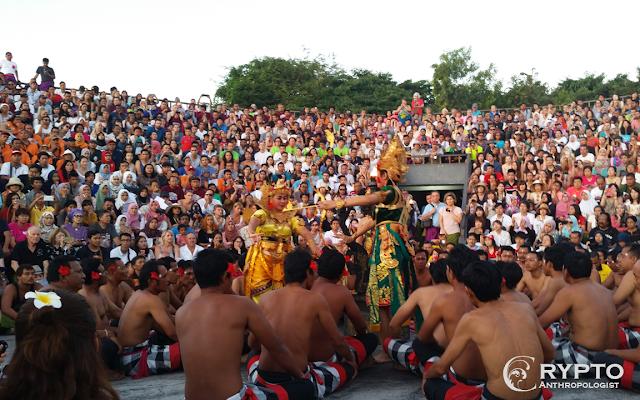 kecak dance at uluwatu temple in Bali