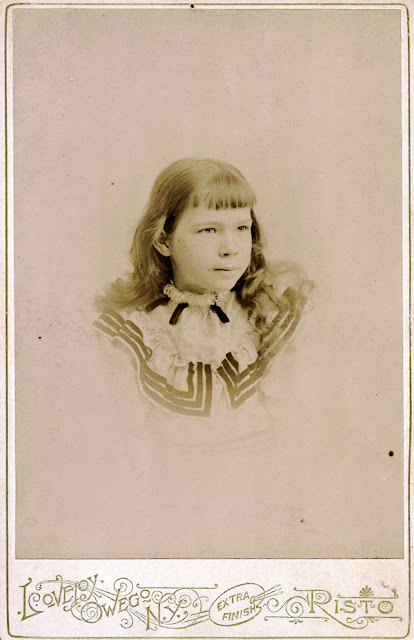 Lena E. MacKenzie. Lovejoy Photo Studio, Owego, NY. Risto.
