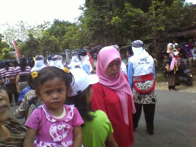 KKN UNIROW SDN Kedungjambe 2 Karnaval Singgahan Tuban