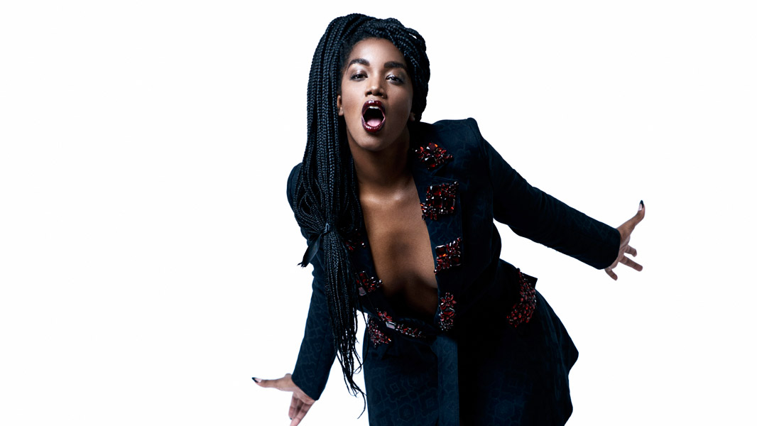 Em seu disco de estreia, a voz da geração também colaborou com Ivete Sangalo, Gloria Groove, Rincon Sapiência, Carlinhos Brown e Ruxell.