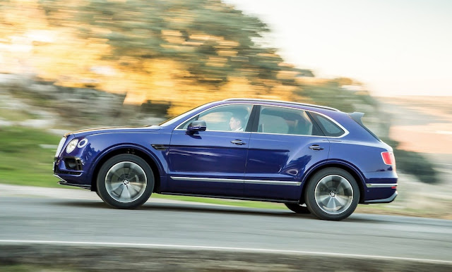 2017 Bentley Bentayga blue
