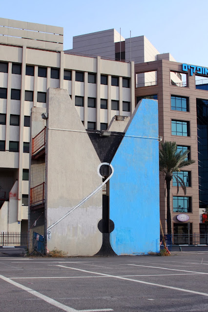 """""""A Clothespin"""" New Street Art Piece  By Israeli Artist Dede On The Streets Of Tel Aviv, Israel. 1"""