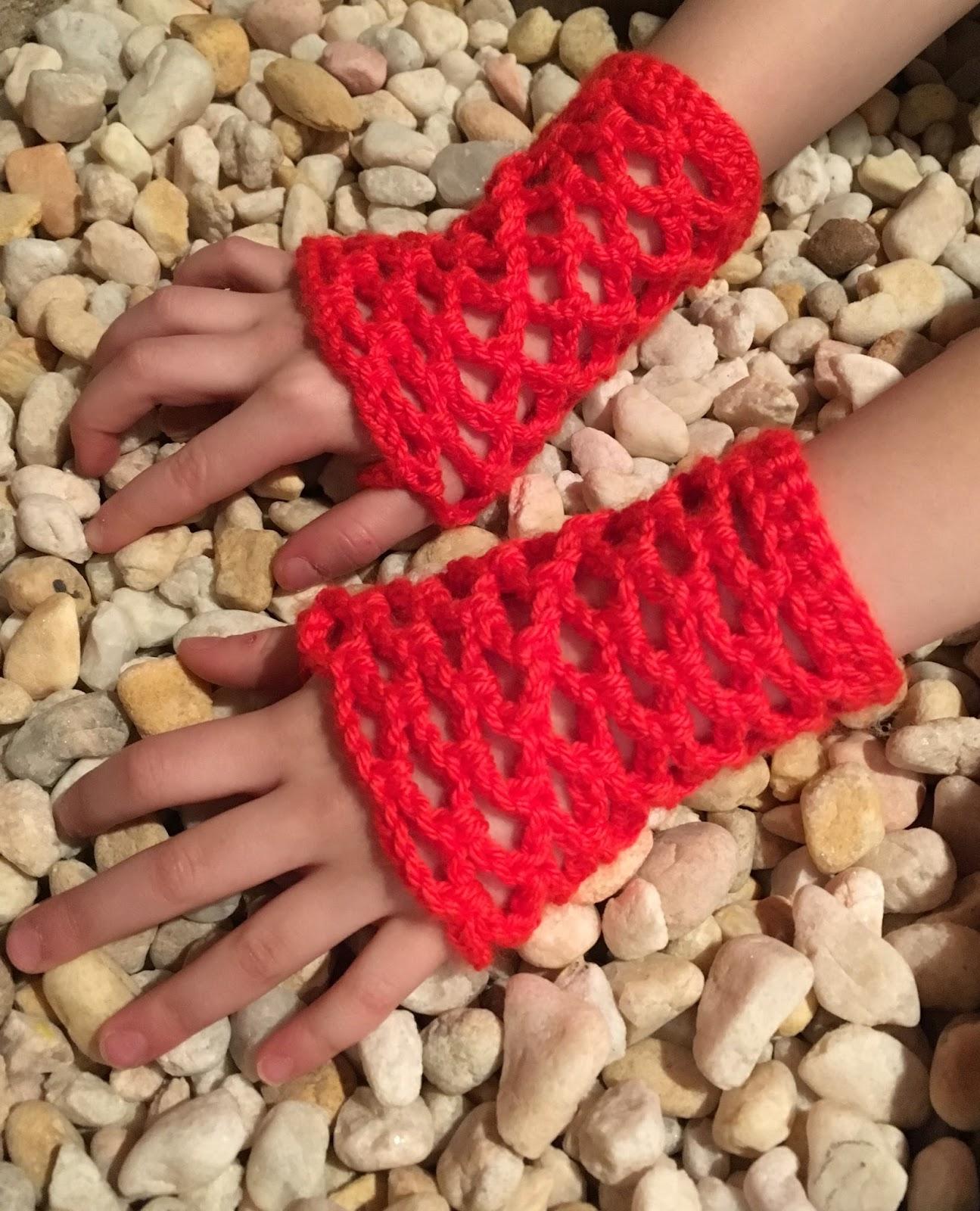 Haute Kippy Easy Fishnet Gloves