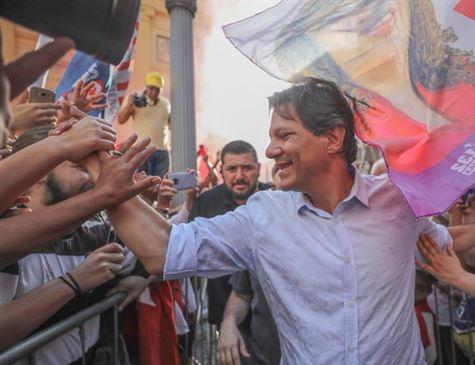 Haddad sobe a 22%; Bolsonaro tem 28%, mas se enfraquece no 2º turno, diz Datafolha
