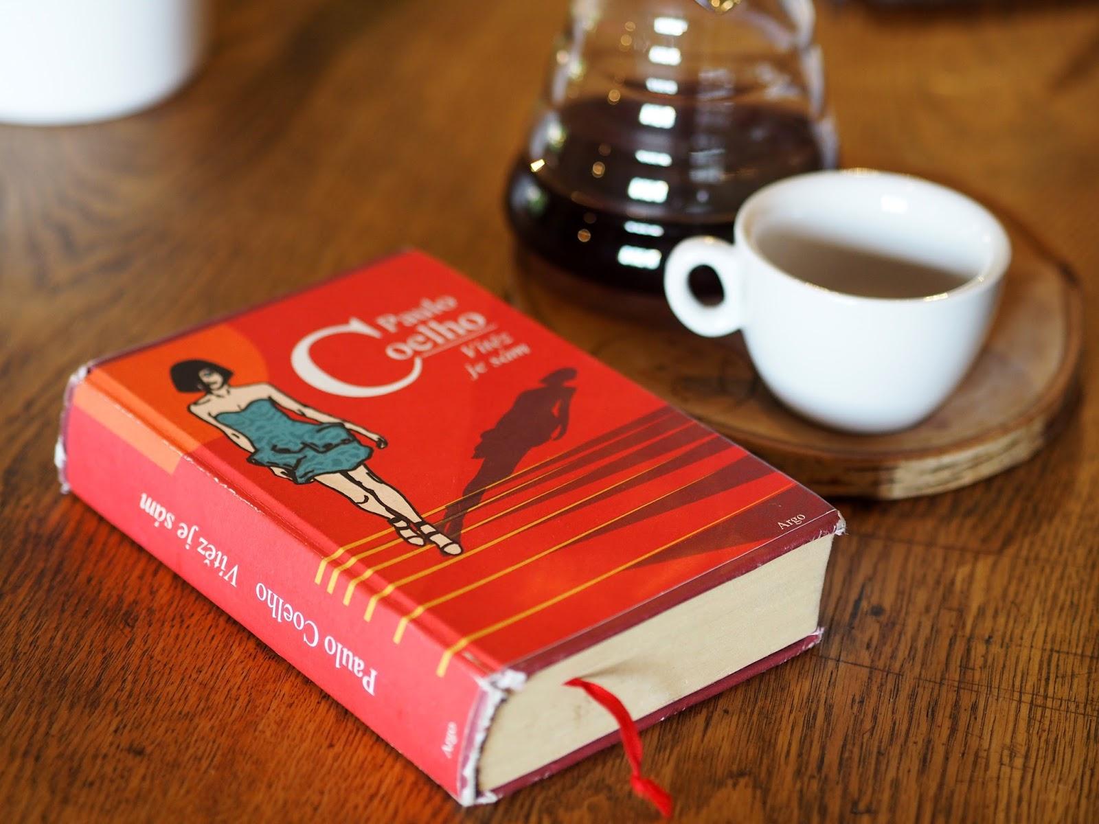 paulo Coelho kniha vítěz je sám