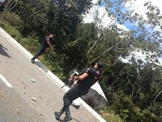 CARRO-FORTE: Polícia troca tiros com acusados de explosão e policial está ferido