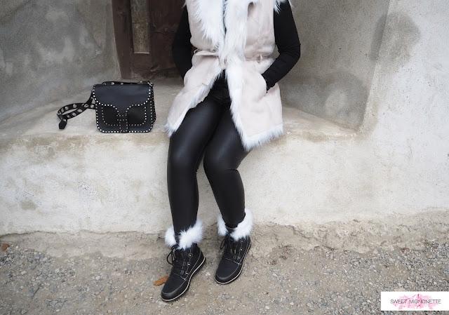 http://www.sweetmignonette.com/2017/12/swiss-blog-sorel-boots-switzerland-snow-black-white-joan-of-artic.html