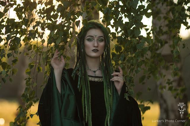 Przegląd makijażowy wiedźm i elfów