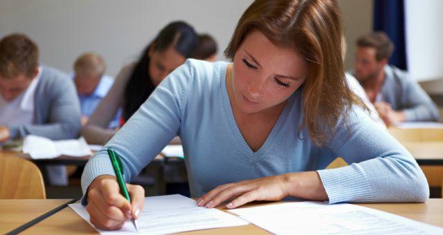 mempermudah penilai ujian