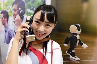 RoBoHon sharp smartphone