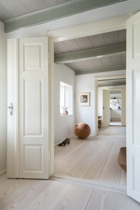 Magnificent Douglas fir wood flooring in a Danish Farmhouse on Hello Lovely Studio
