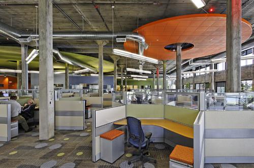 как расположить рабочие места в офисе