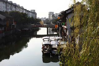 Folyópart Shanghaiban.