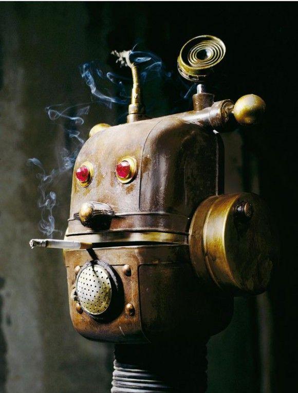 Robot hecho con desechos reciclados