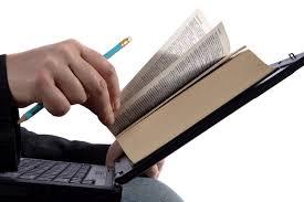 Membaca dan Menulislah, Tinggalkan Jejakmu di Sana